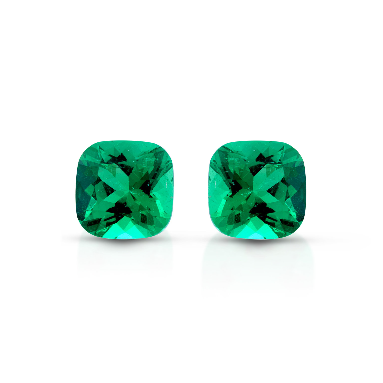 ClaudiaHamann_Emerald_colombia_Cushion_PreciousPair_3,44cts