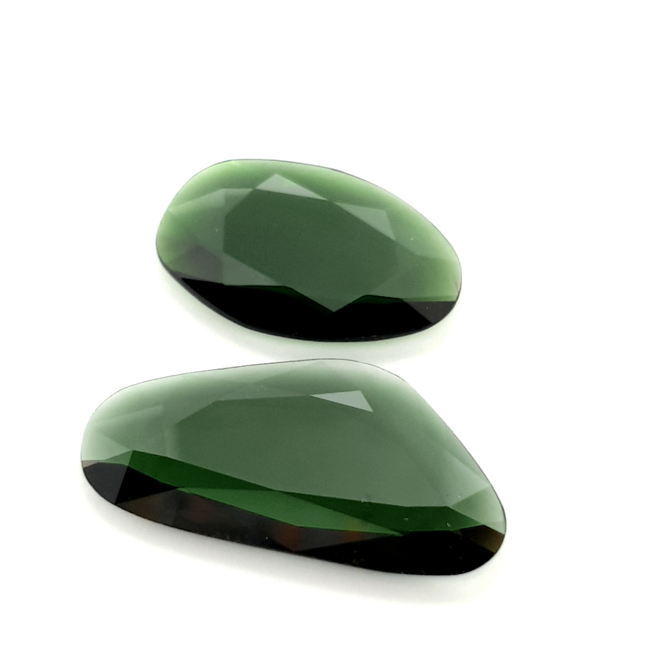 12,42ct.2pc Imperial Green Tourmalin DoubleRoseCut TMK16C1 ClaudiaHamann__2021-02-11-15-56-59