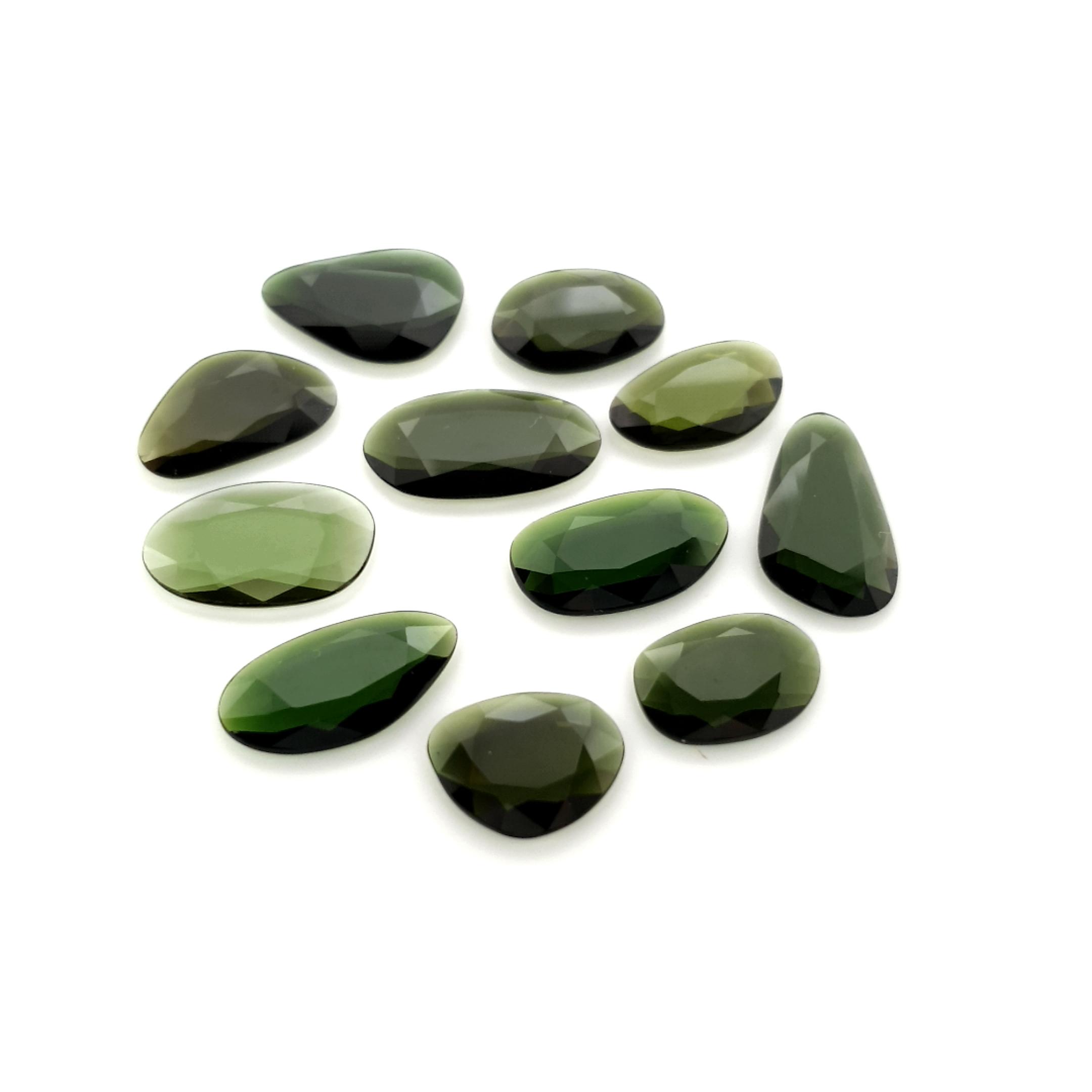 2,00-3,00ct.size Imperial Green Tourmalin DoubleRoseCut TMK18C16 ClaudiaHamann__2021-02-11-14-40-31