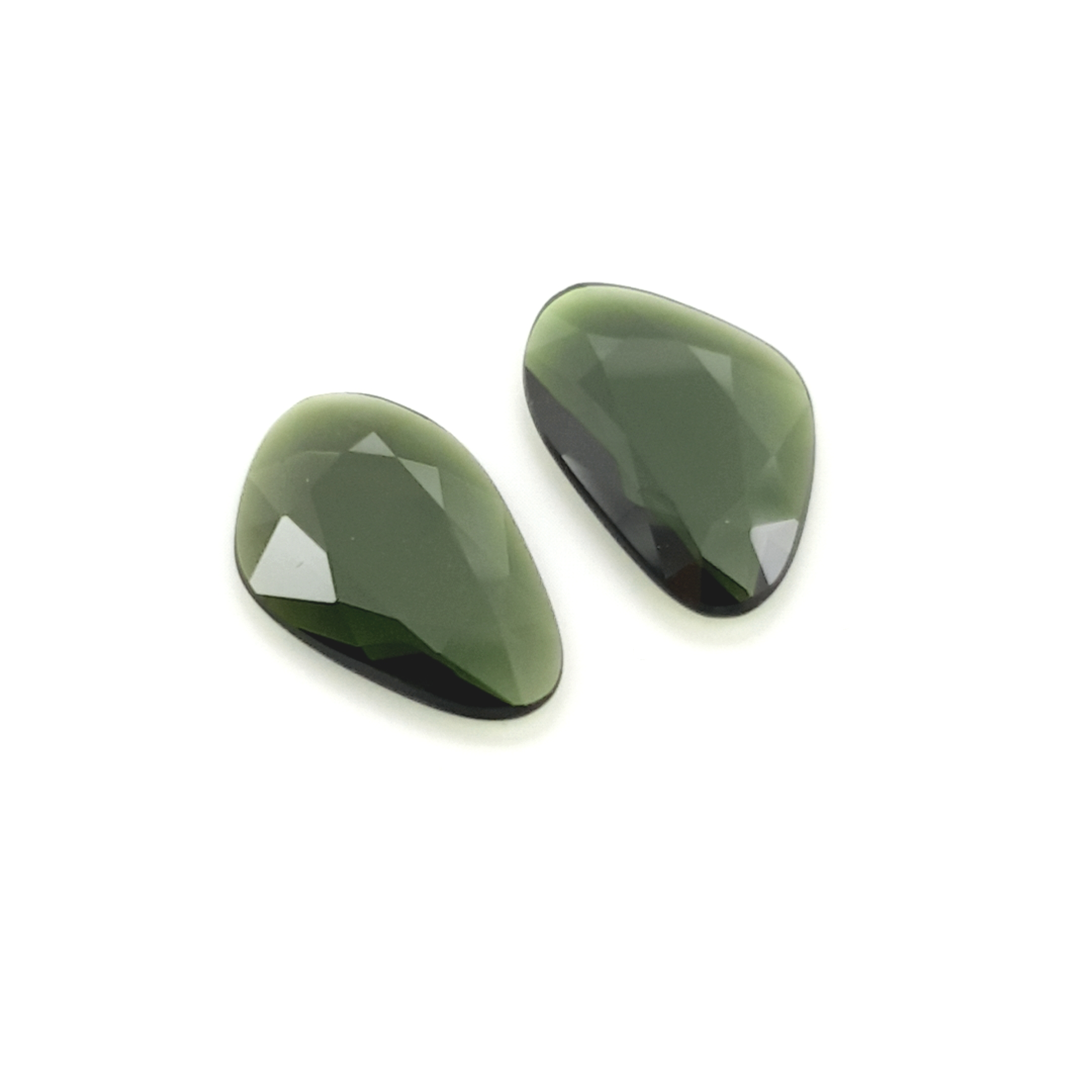 4,90ct.Pair Imperial Green Tourmalin DoubleRoseCut TMJ18C3 ClaudiaHamann__2021-02-11-22-41-03