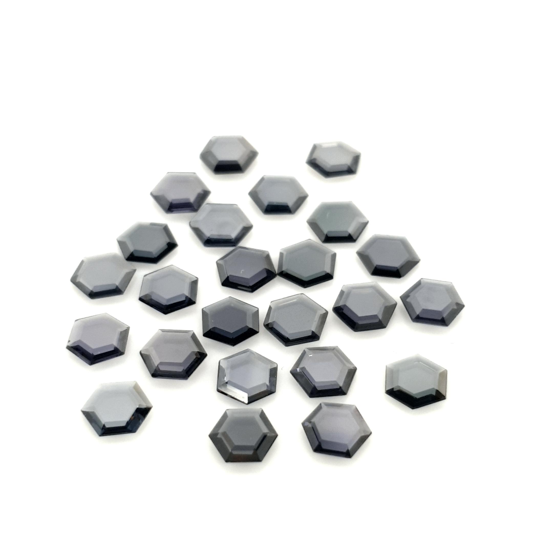5,5mm Hexagone Grey Spinel SNC19C13 ClaudiaHamann__2021-02-16-23-55-25