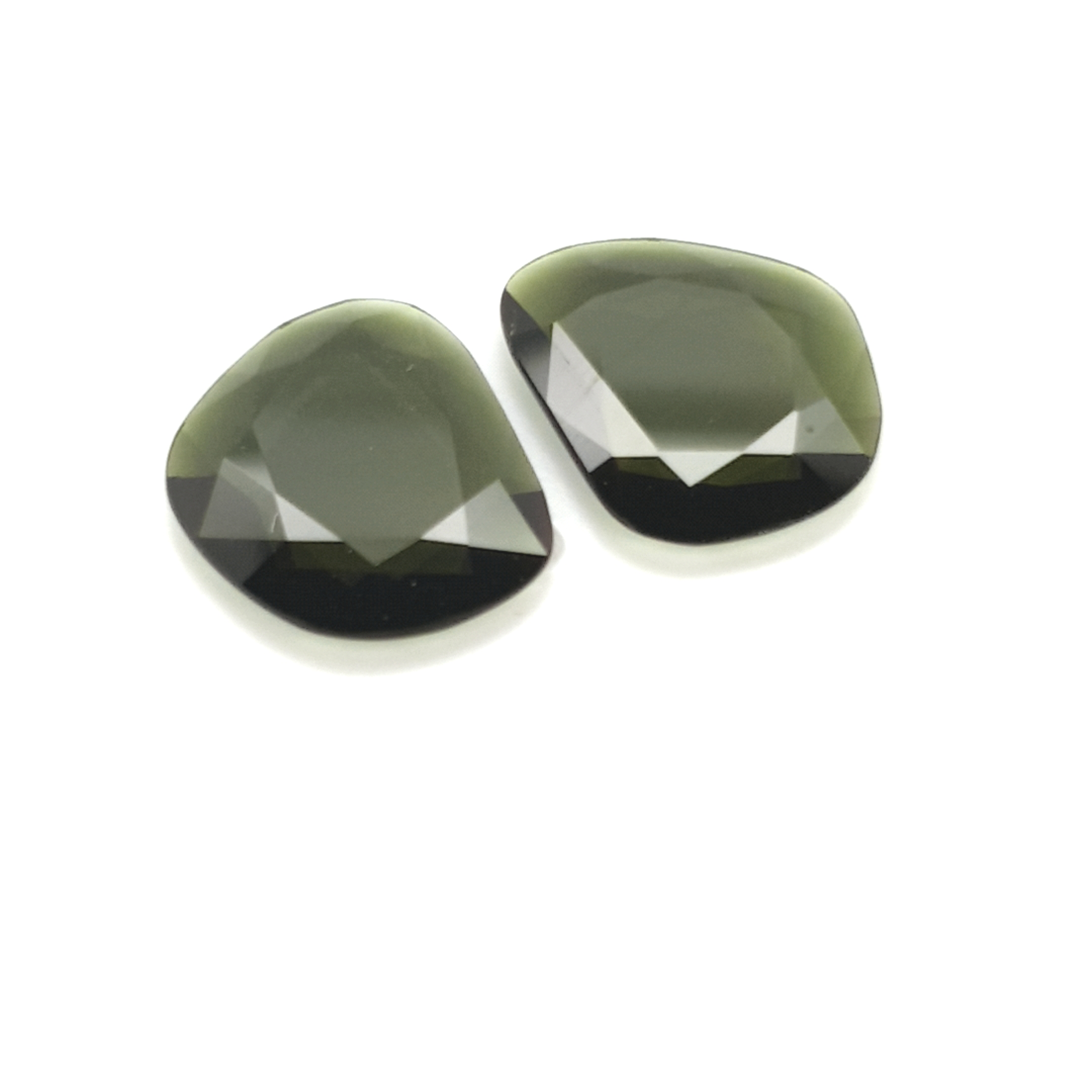 8,35ct.Pair Imperial Green Tourmalin DoubleRoseCut TMJ13C4 ClaudiaHamann__2021-02-11-20-41-45