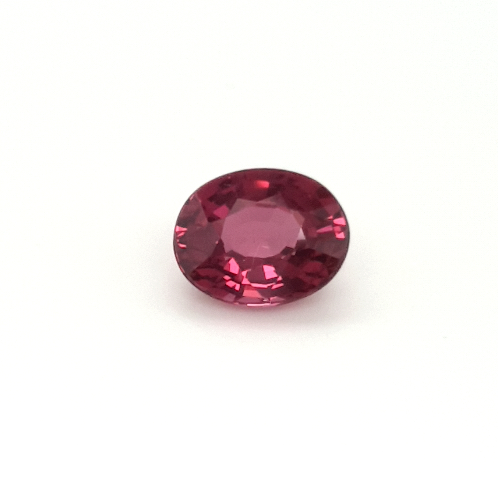 4,47ct. Red Spinel SNF14C26 ClaudiaHamann