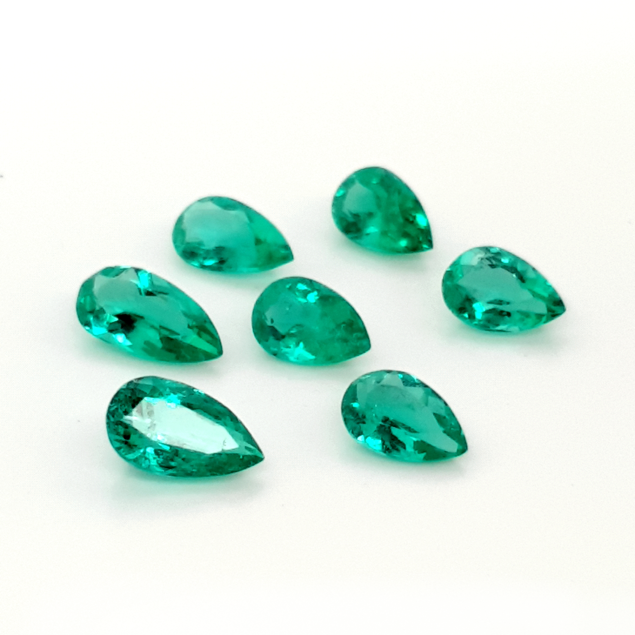 12,50ct. PearShape Emerald from Colombia EMH16D18 ClaudiaHamann__2021-03-30-00-27-56
