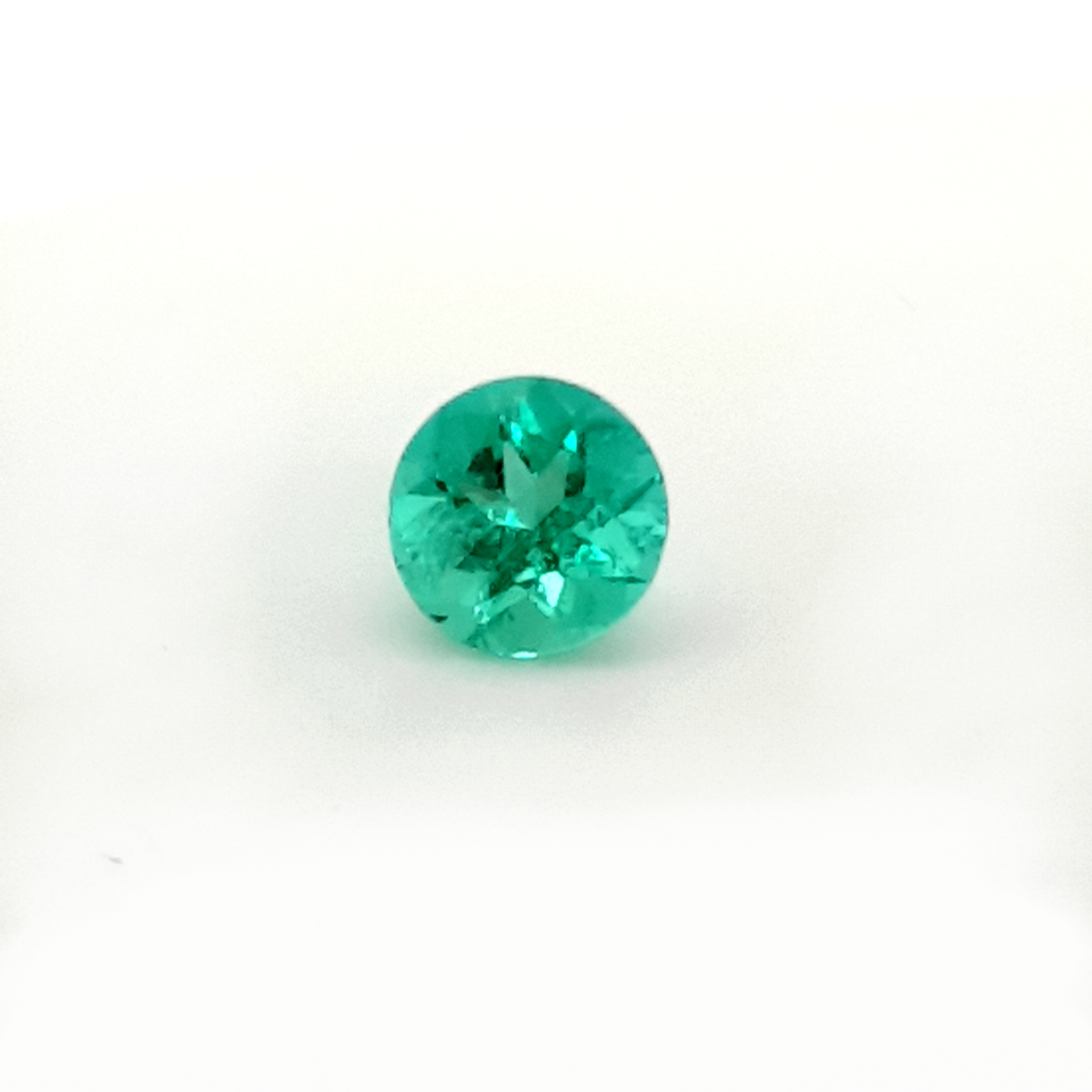 1,59ct. Round Emerald from Colombia EMB21C5 ClaudiaHamann__2021-03-29-23-50-54