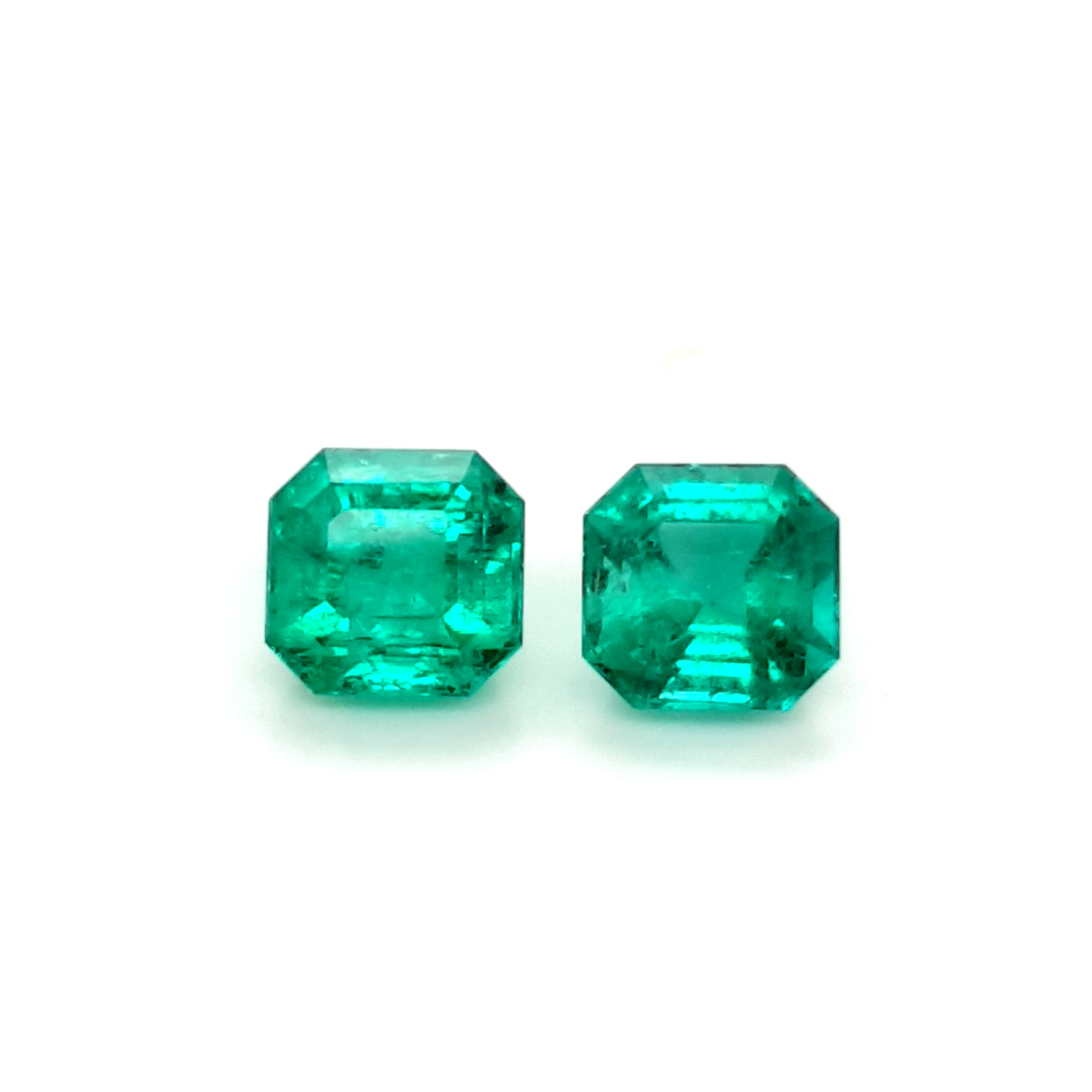 4,08ct. Emerald from Colombia cert. EML18D2 ClaudiaHamann__2021-03-26-15-49-58
